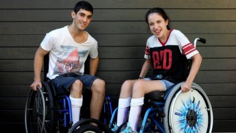 Teenagers with cerebral palsy take on Australia's highest mountain in gruelling trek up Mt Kosciusko